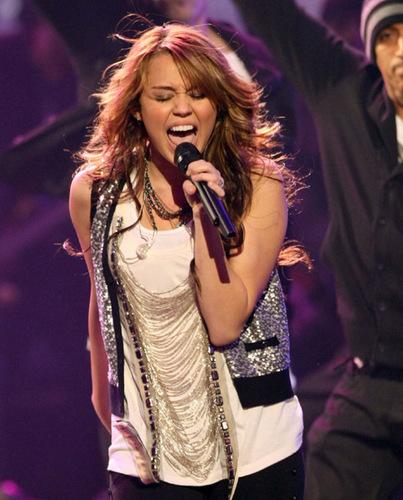 Miley Пение