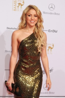 シャキーラ at the 62nd Bambi Awards 2010 (red carpet)