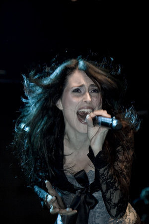 Sharon yungib Adel,On Stage