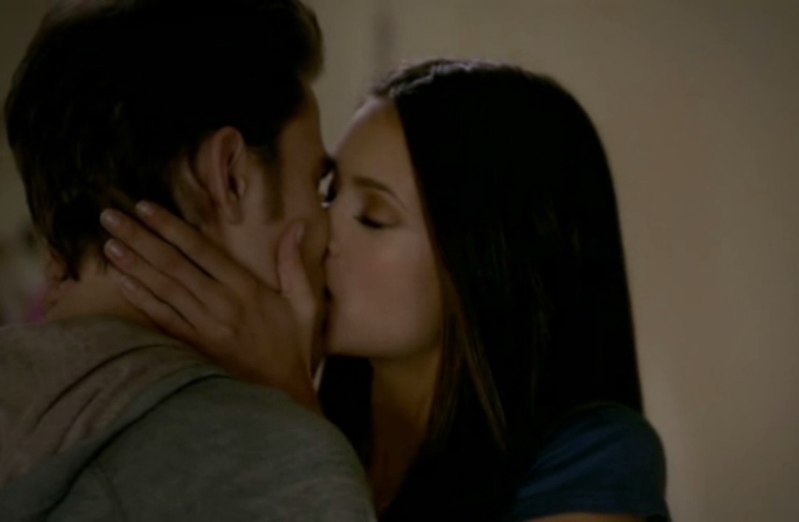first kiss elena and stefan relationship
