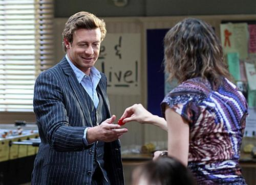 The Mentalist - Episode 3.10 - Jolly Red Elf - Promotional foto's