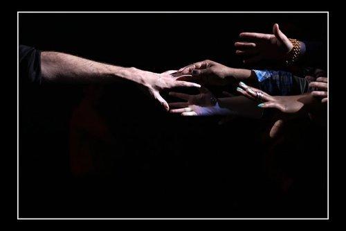 Tyler's arm reaching out to peminat-peminat