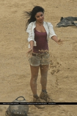 Vanessa on set Journey2