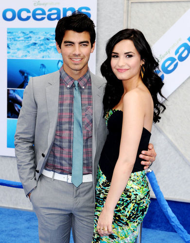 Jemi wallpaper possibly with a business suit called jemi