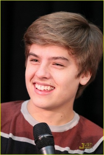 thêm Dylan and Cole Pics at MOM Event!!