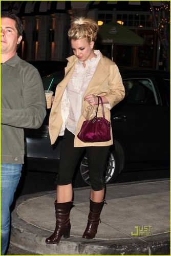 Britney Spears: Calabasas Commons Coffee Cool