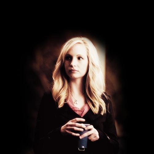 Caroline. [1x01]