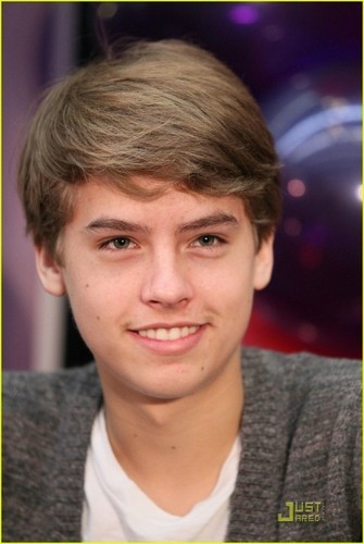 Dylan and Cole mais Pics At Million Of Shakes!!