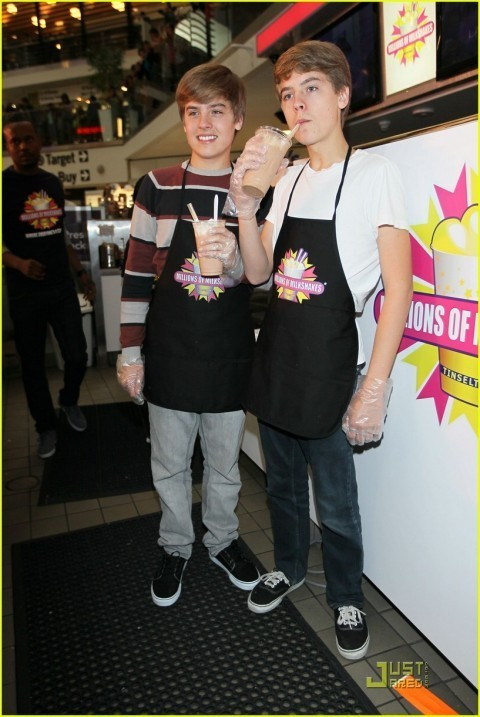 http://images4.fanpop.com/image/photos/17000000/Dylan-and-Cole-More-Pics-At-Million-Of-Shakes-cole-sprouse-17050239-480-717.jpg