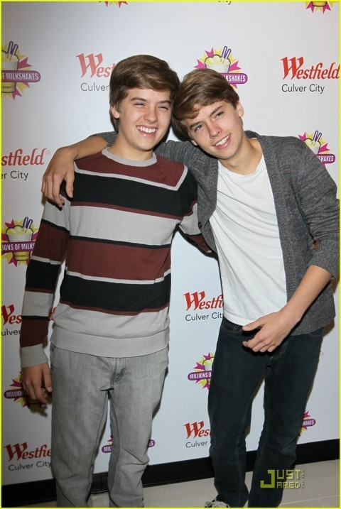 Dylan and Cole More Pics At Million Of Shakes!!