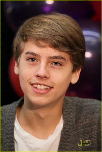 Dylan and Cole thêm Pics At Million Of Shakes!!