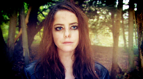 Effy Stonem Обои possibly with a portrait called Effy