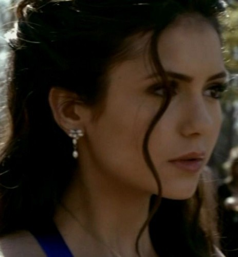 """Elena thinkin about...""""What if he's better than BoringStefan??"""""""
