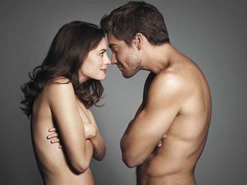Entertainment weekly Photoshoot - Anne Hathaway and Jake 485x364