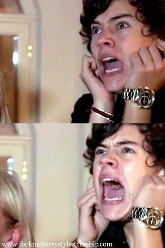 Flirty Harry Screaming Lol : )