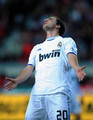 G. Higuain (Sporting Gijon - Real Madrid)
