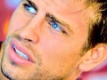 Gerard Piqué blue eyes - soccer wallpaper