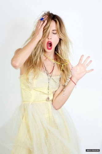 90210 wallpaper possibly containing a cocktail dress titled Gillian Zinser - Photoshoots