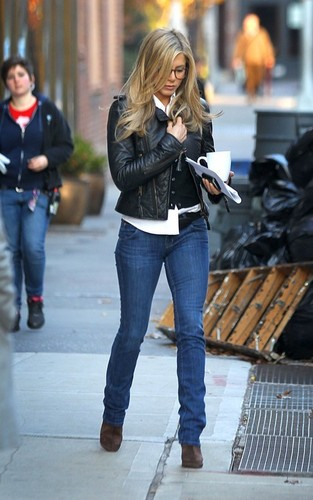 "Jennifer on ""Wanderlust"" Set"