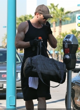 Leaving Gym in North Hollywood - 16 Nov 2010