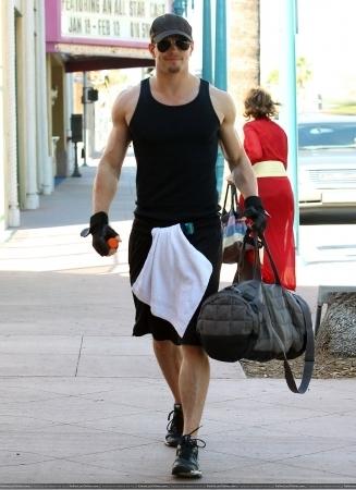 Leaving Gym in North Hollywood - 16 Nov 2010