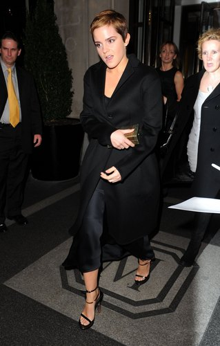 Leaving her hotel for the Deathly Hallows premiere, New York