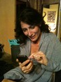 Lisa trying to figure out how to tweet