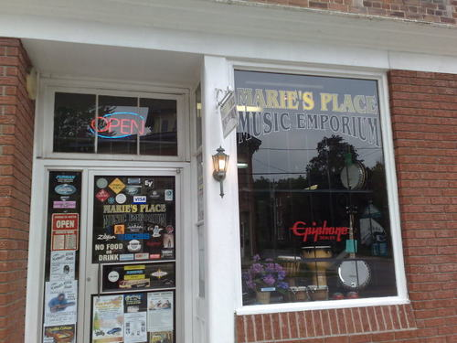 Marie`s Place 音楽 Emporium In Napanee