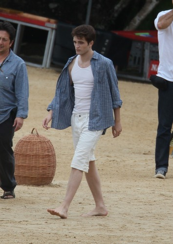 New pictures of BD filming - robert-pattinson Photo