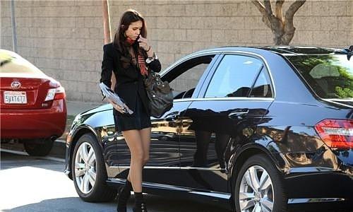 Nina Running errnads in Los Angeles, CA