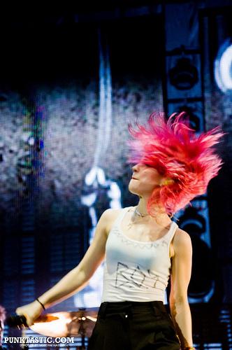 paramore - 15.11. 2010 - london O2
