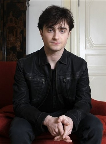 Daniel Radcliffe wallpaper probably containing a well dressed person and a business suit titled Photocall Deathly Hallows 1