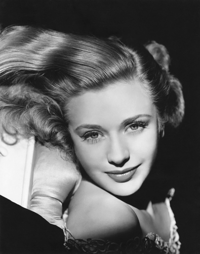 Classic Movies wallpaper possibly containing a portrait and skin entitled Priscilla Lane