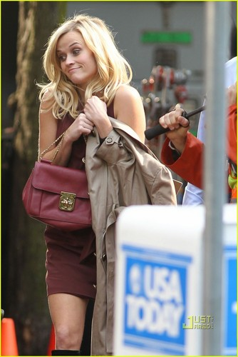 Reese Witherspoon & Tom Hardy: War and Kiss!