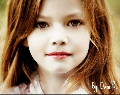 renesmee carlie cullen wallpaper with a portrait titled Renesmee Cullen