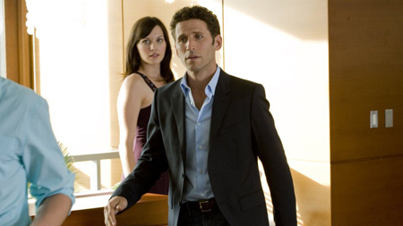 Royal Pains wallpaper with a business suit, a suit, and a well dressed person entitled Royal Pains - Season 1 episode 10