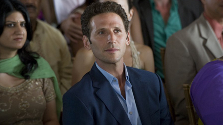 Royal Pains wallpaper possibly containing a business suit entitled Royal Pains - Season 1 episode 12