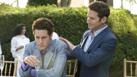 Royal Pains wallpaper with a business suit entitled Royal Pains - Season 1 episode 12