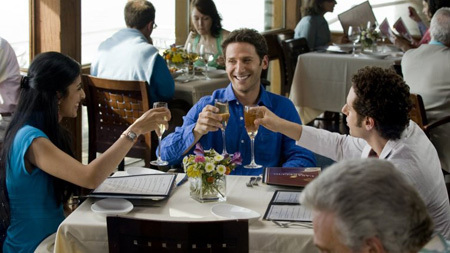 Royal Pains wallpaper containing a dinner table, a brasserie, and a bistro called Royal Pains - Season 1 episode 4