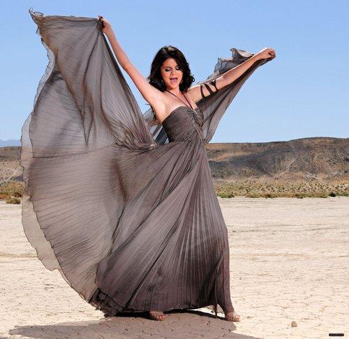 Selena Photo