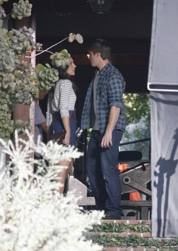 """Shenae on """"90210"""" Set"""