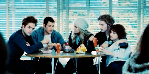 The Cullens Hintergrund containing a abendessen table, a brasserie, and a restaurant entitled The Cullen's