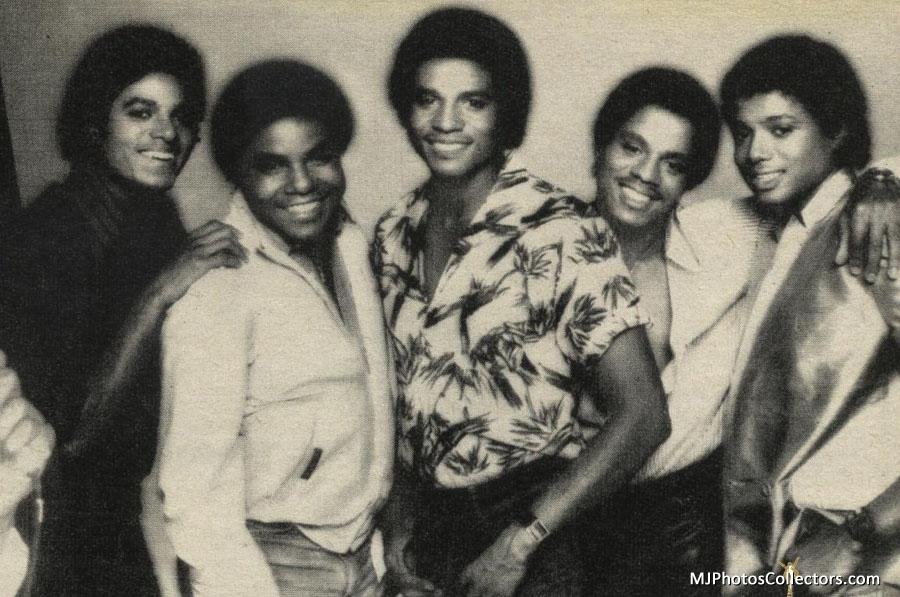The Jacksons The-jacksons-the-jackson-5-17014965-900-597