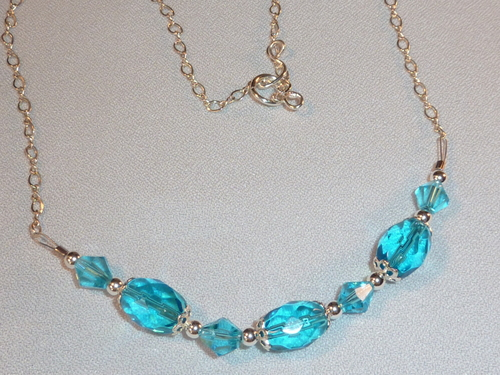 Jewelry Making wallpaper entitled Turquoise Crystal & Sterling Silver Necklace
