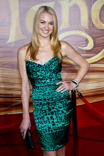 Yvonne Strahovski @ the LA Premiere of 'Tangled'