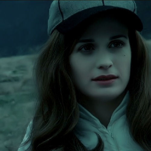Esme Cullen wolpeyper with a hood called esma cullen