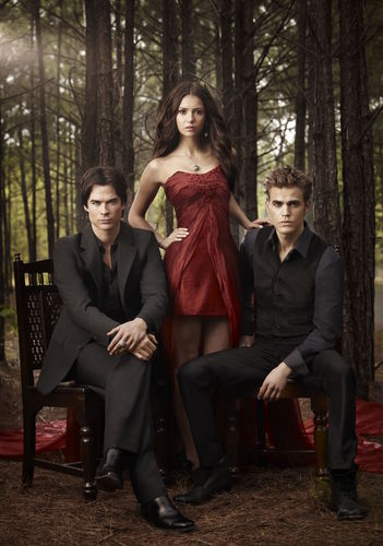 Katherine Pierce and Elena Gilbert wallpaper possibly containing a park bench and a business suit called vampire diaries
