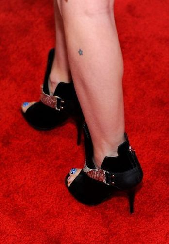 [NEW]- 更多 American 音乐 Awards Red Carpet pics