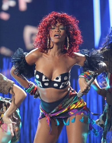 Rihanna hình nền called 2010 American âm nhạc Awards-Performance,November 21,2010,L.A