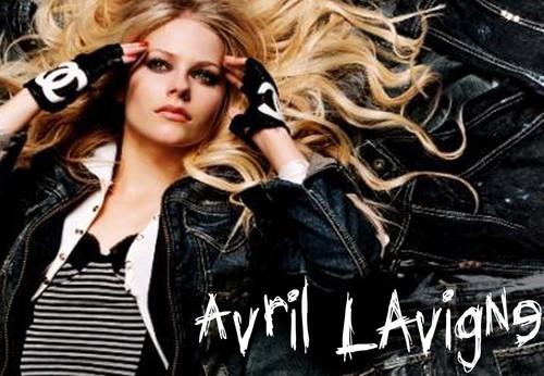 Avril :D :D :D wallpaper